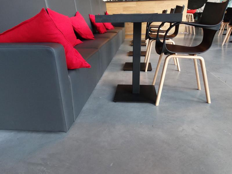 kanapa-krzesla-hotel-podloga-d