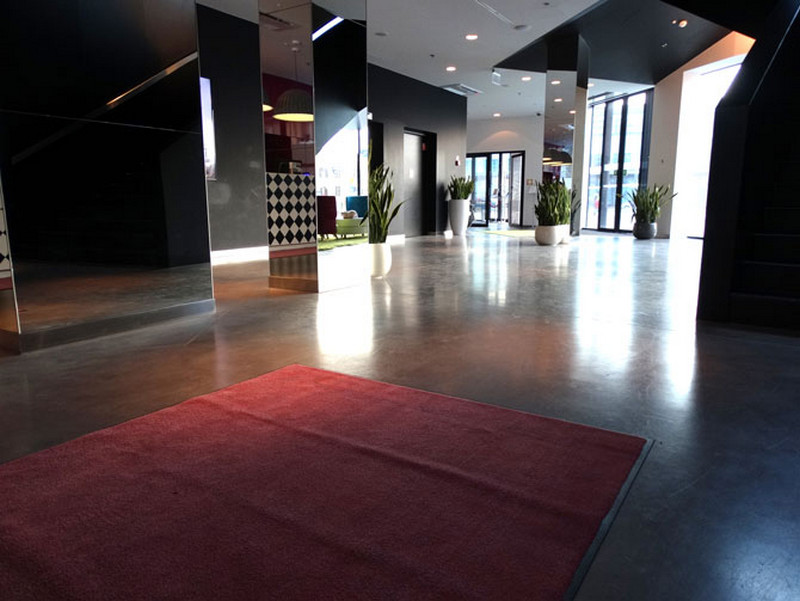 posadzka-hotel-hol