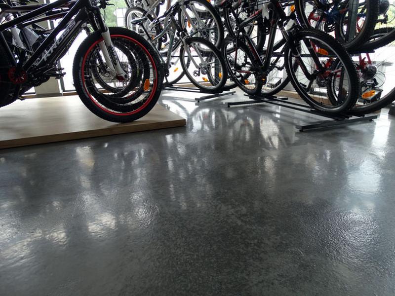 posadzka-salon-rowerowy