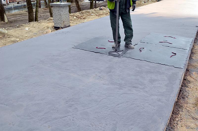 odciskanie-wzoru-beton-d