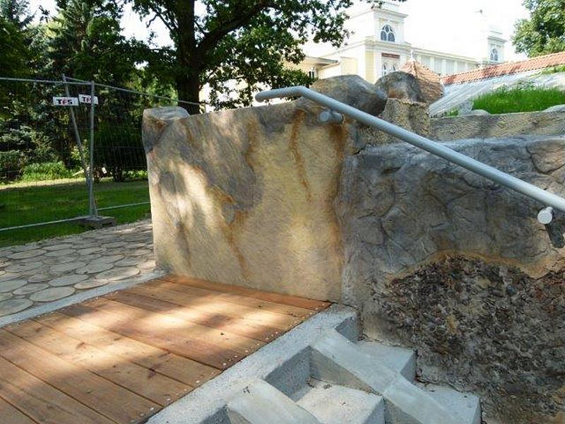 schody-ozdobny-beton-architektoniczny-drewno
