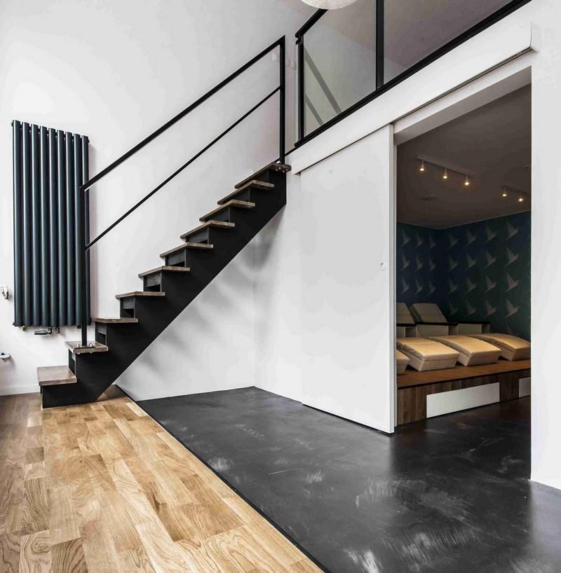 antresola-schody-podloga-betonowa